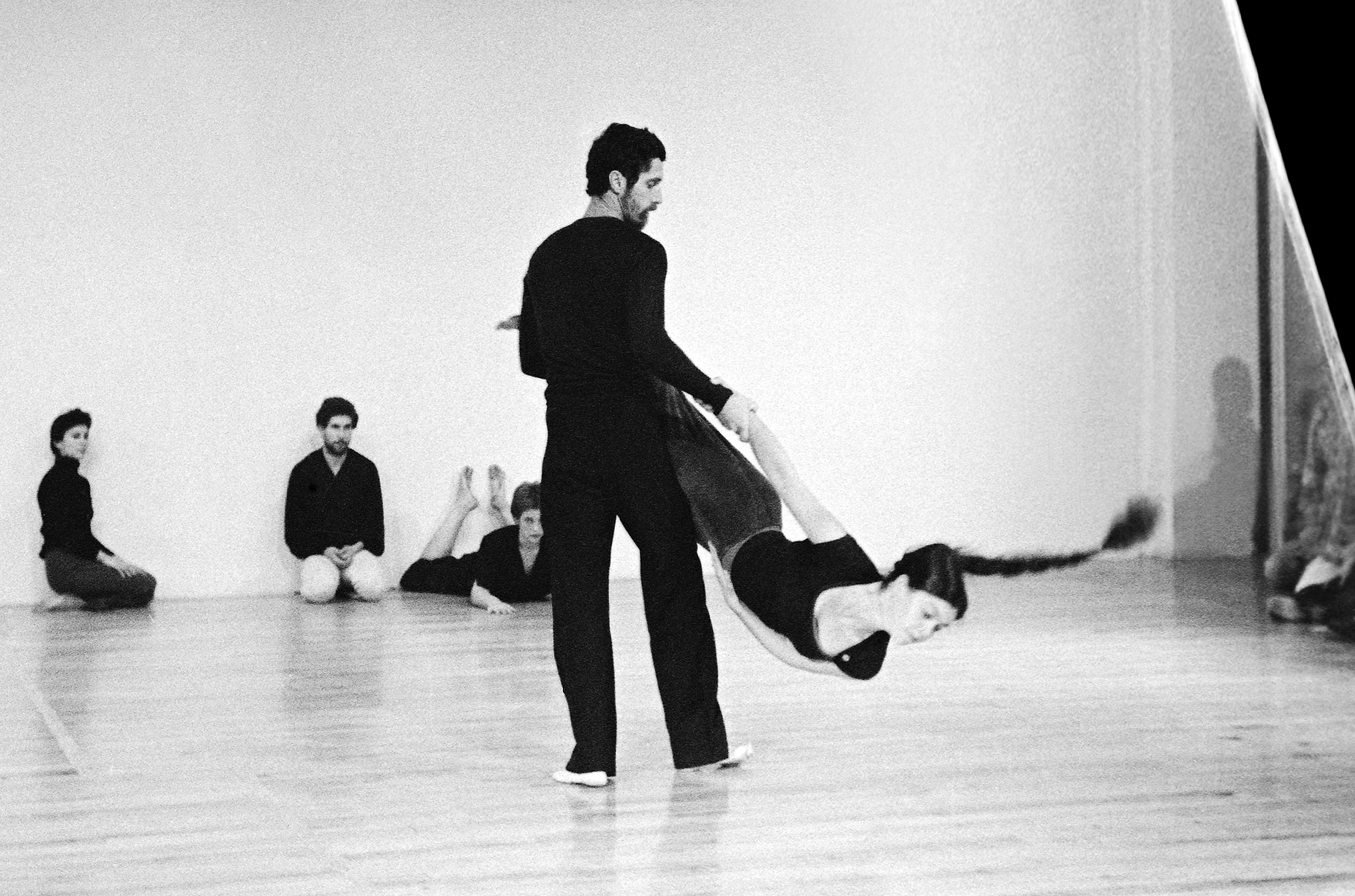 Steve Paxton and Nancy Stark Smith, performing with Freelance Dance, Northampton, MA, 1980. (In the background, left to right) Lisa Nelson, Daniel Lepkoff, Christina Svane. photo © Stephen Petegorsky