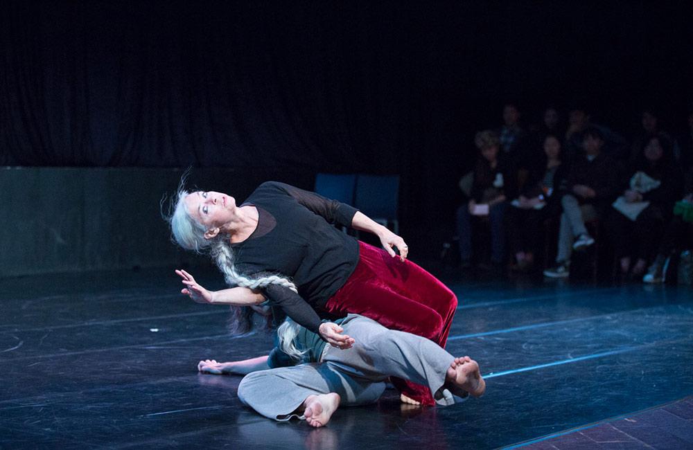 Nancy Stark Smith and Yeong Wen Lee, Taipei, Taiwan, 2013 | photo © Ku & Dancers